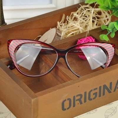 251cc76ac7abc Armação Óculos De Grau - Gatinho Vermelho Vintage Retro - R  39