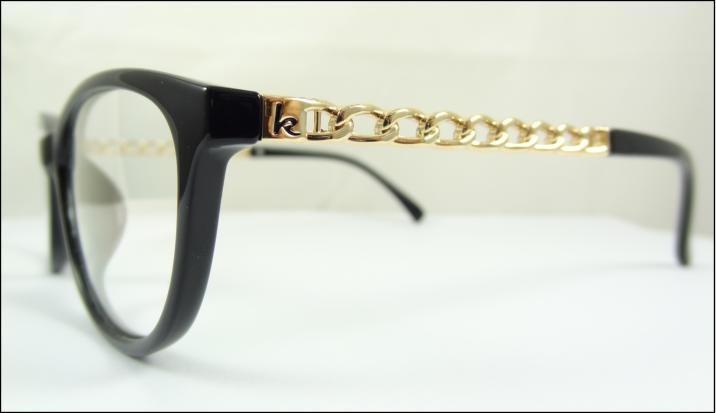 Armao de culos para lente de grau preta com hastes douradas 4f325d574b