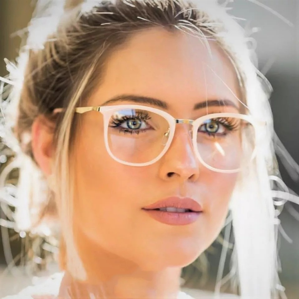 7ebf54919 armação óculos de grau quadrada feminina geek retrô 2019 top. Carregando  zoom.