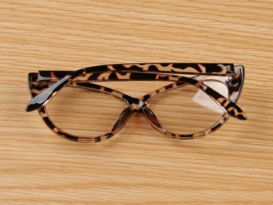4ac6ab82208be Armação Óculos Feminino Promoção - R  46