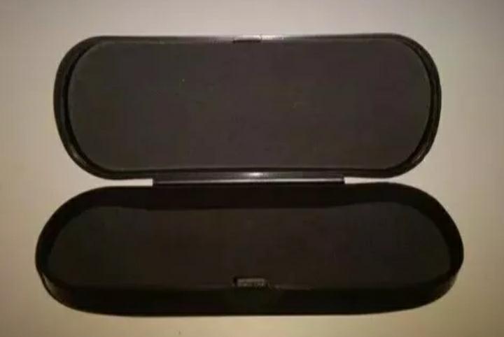 Armação Óculos Gatinho Anos 80 Puxadinho + Case Caixinha - R  44,99 ... b93f896685