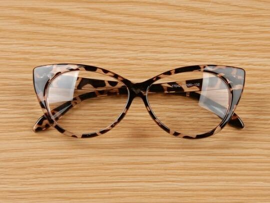 c64d947eb75b5 Armação Óculos Gatinho Promoção - R  40,00 em Mercado Livre
