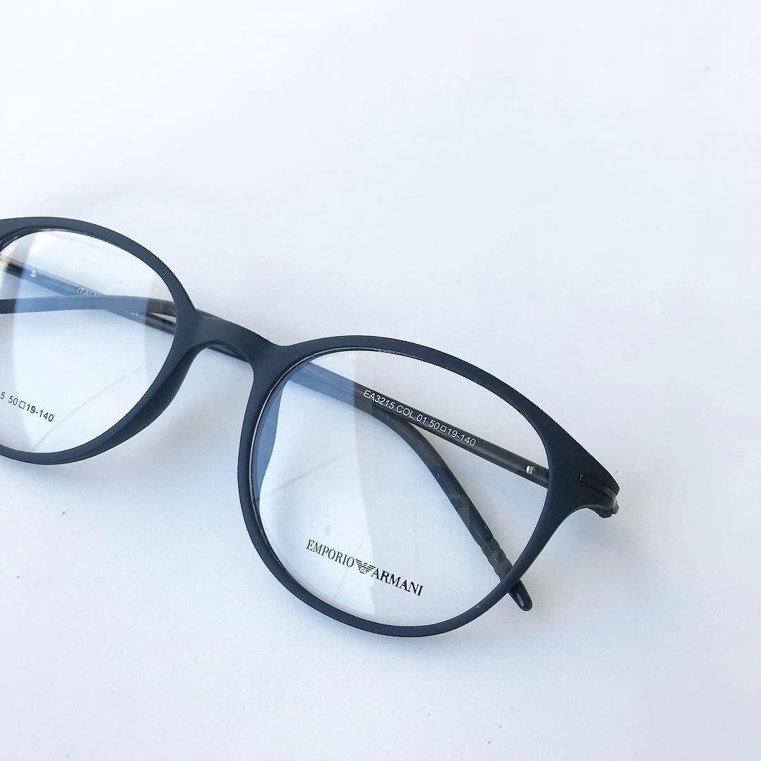 52c5c4defe72c armação óculos gatinho redondo titânio masculino e feminino. Carregando zoom .