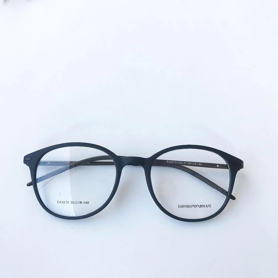 3bdd6eb20ab3f armação óculos gatinho redondo titânio masculino e feminino. Carregando  zoom.