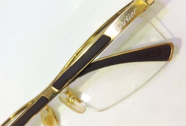 Armação Oculos Grau Cartiier Titanio Meio Aro Dourado Marrom - R  119,99 em  Mercado Livre 6df5861f8e