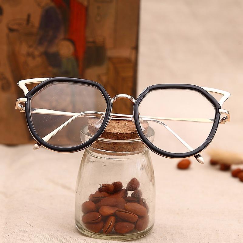 001e5f2760777 armação óculos grau feminina mulher gatinho sexy moda estilo. Carregando  zoom.