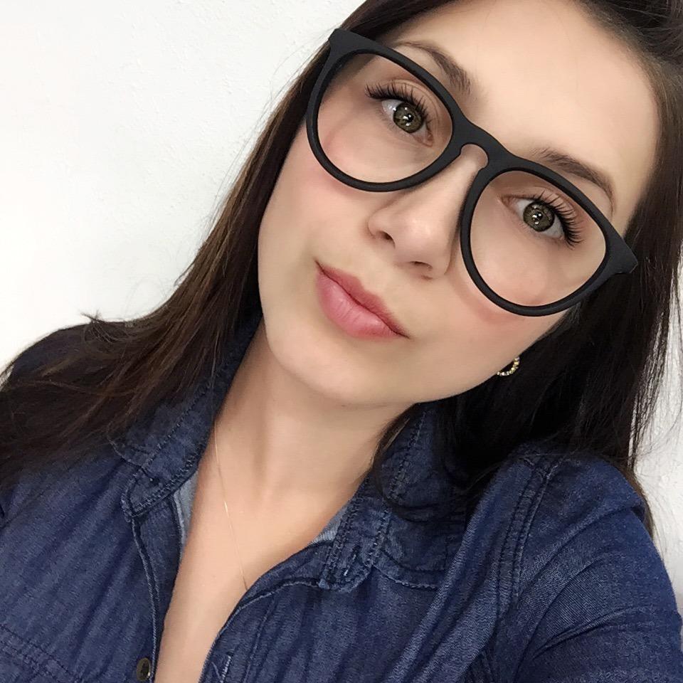 armação óculos grau feminino masculino redondo erika geek. Carregando zoom. c4842809ba