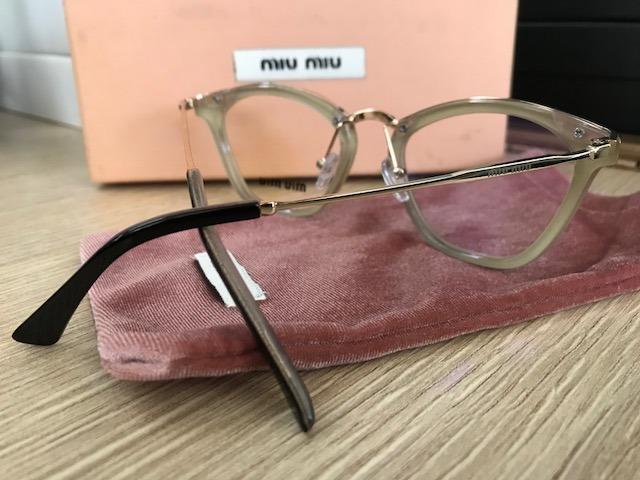 dbcac80f86e59 Armação Para Óculos De Grau Miu Miu Gatinho Preta- Nude - R  249,90 ...