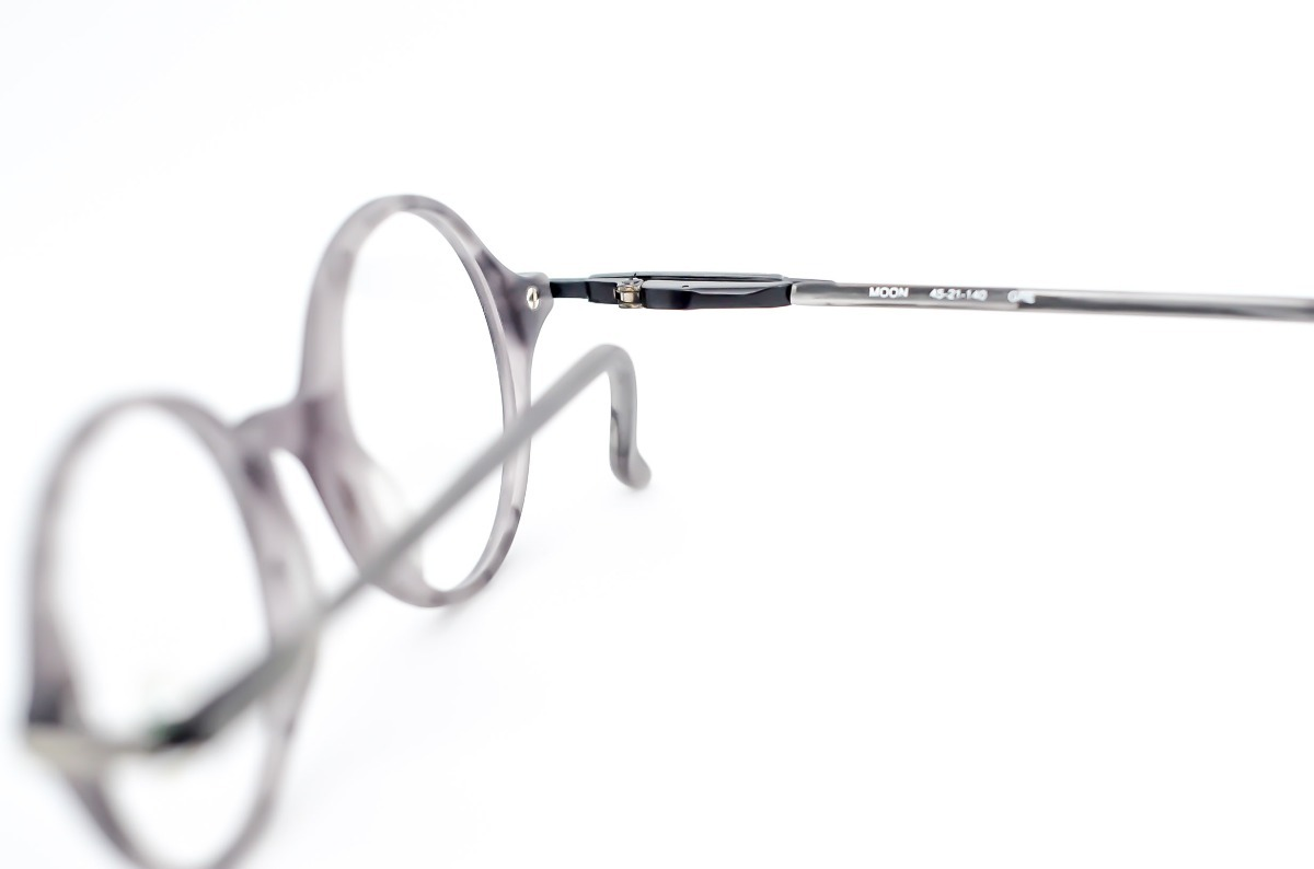 6d5bb140fc3 armação óculos redondo acetato pequeno cinza redondinho. Carregando zoom.
