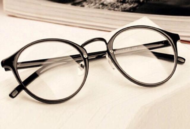 3a21948fe1cef Armação Óculos Redondo Descanso Feminino Masculino - R  58,90 em ...