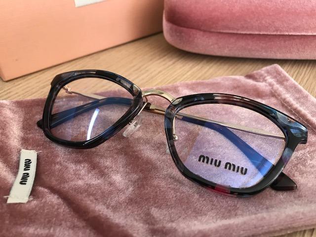 95fd3e699c9f0 Armação Para Óculos De Grau Miu Miu Havana Gatinho Cateye - R  249,90 em  Mercado Livre
