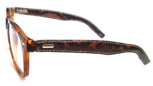 a7125d99de4c1 Armação Para Óculos De Grau Retro Wayfarer Em Acetato - R  69,00 em ...