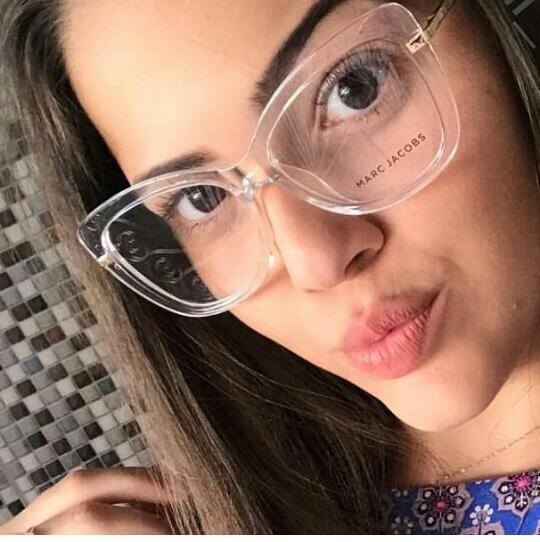 D Glasses Transparent