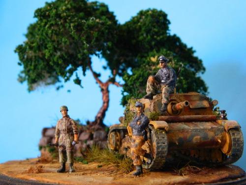 armado de maquetas de tanques 1/72, diorama. kit incluido