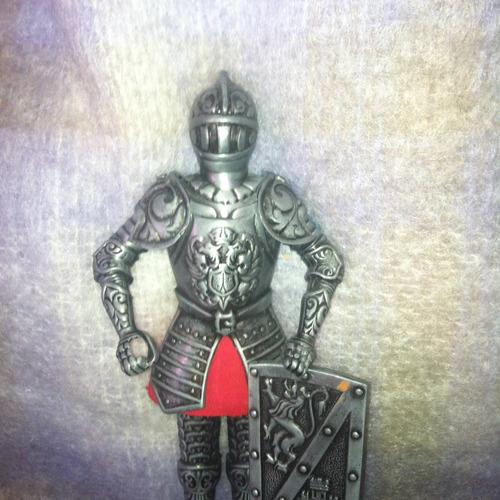 armadura miniatura y portapluma