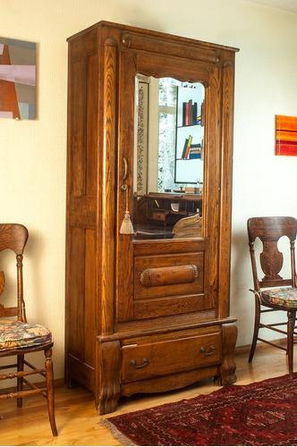 armario con espejo biselado