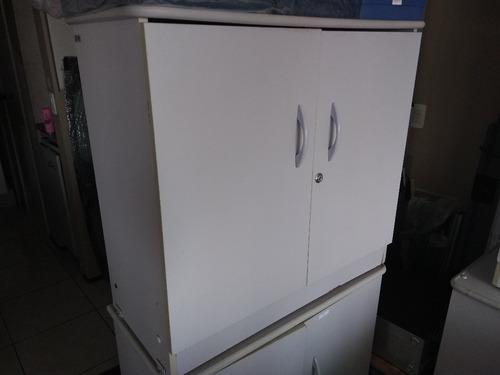 armário cor gelo duas portas