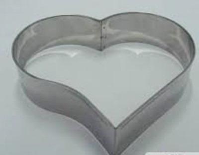 aro cortador coração para bolo 28x10cm em aço inox