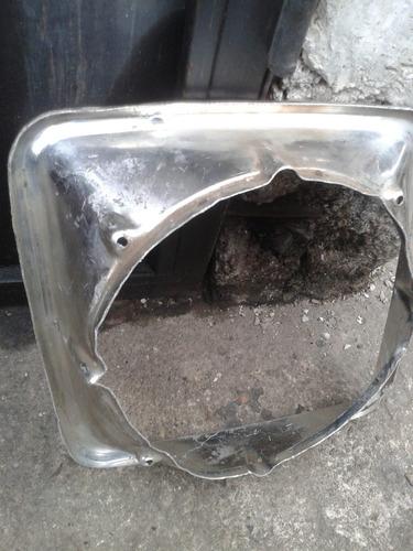 aro del faro para camioneta tradesman 200, 300 dodge usado