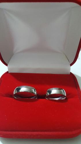 aros de boda y compromiso