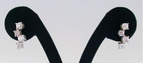 aros de plata 925 y circones blancos engarzados.