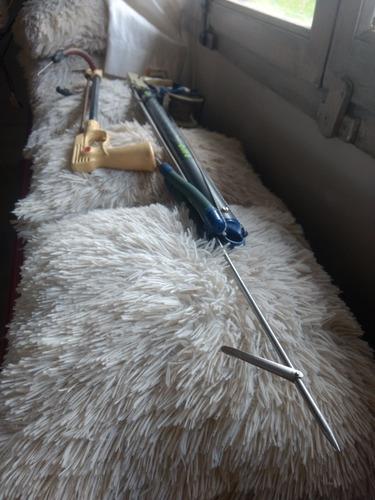 arpones de pesca uno con carretel