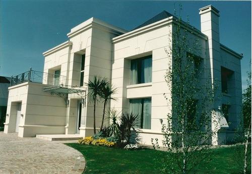 arquitecto. constructora de casas. llave en mano.proyectos