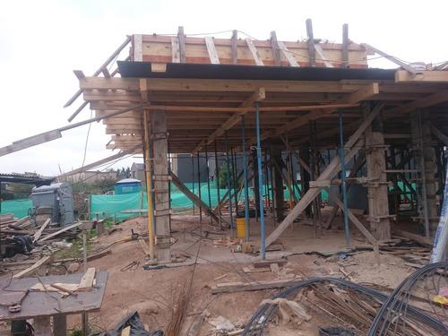 arquitectura constructora  obras casas edificios casinos  m2