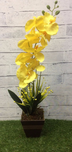 arranjo artificial orquídea amarela vaso madeira
