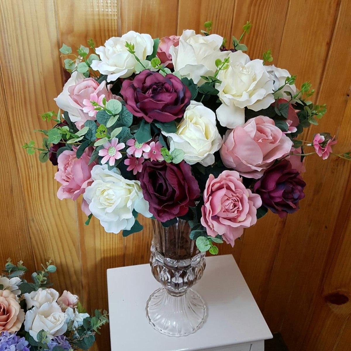 Arranjo De Flores Artificiais Vaso De Vidro Rosas R$ 359,00 em Mercado Livre # Decoração Arranjos De Flores Artificiais
