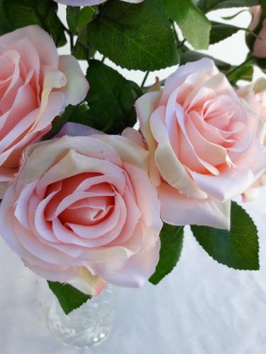 arranjo de rosas permanentes para decorar sua mesa