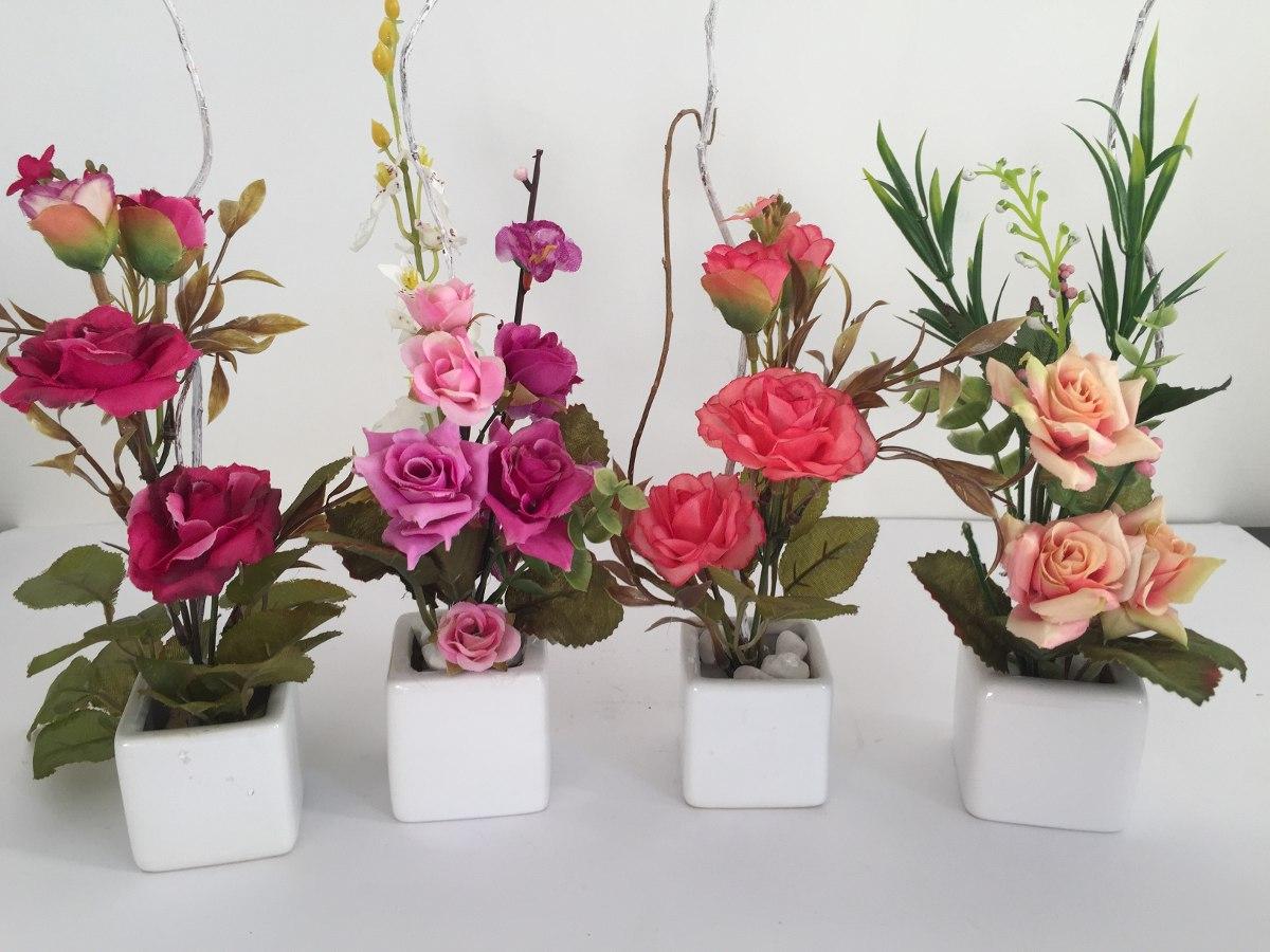 Arranjo Mini De Flores Artificiais, Vaso De Porcelana Cada  R$ 25,00 em Merc -> Decoracao Banheiro Flores Artificiais