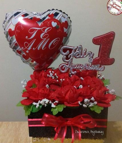 arreglo d flores artificiales con globo cumple aniversario