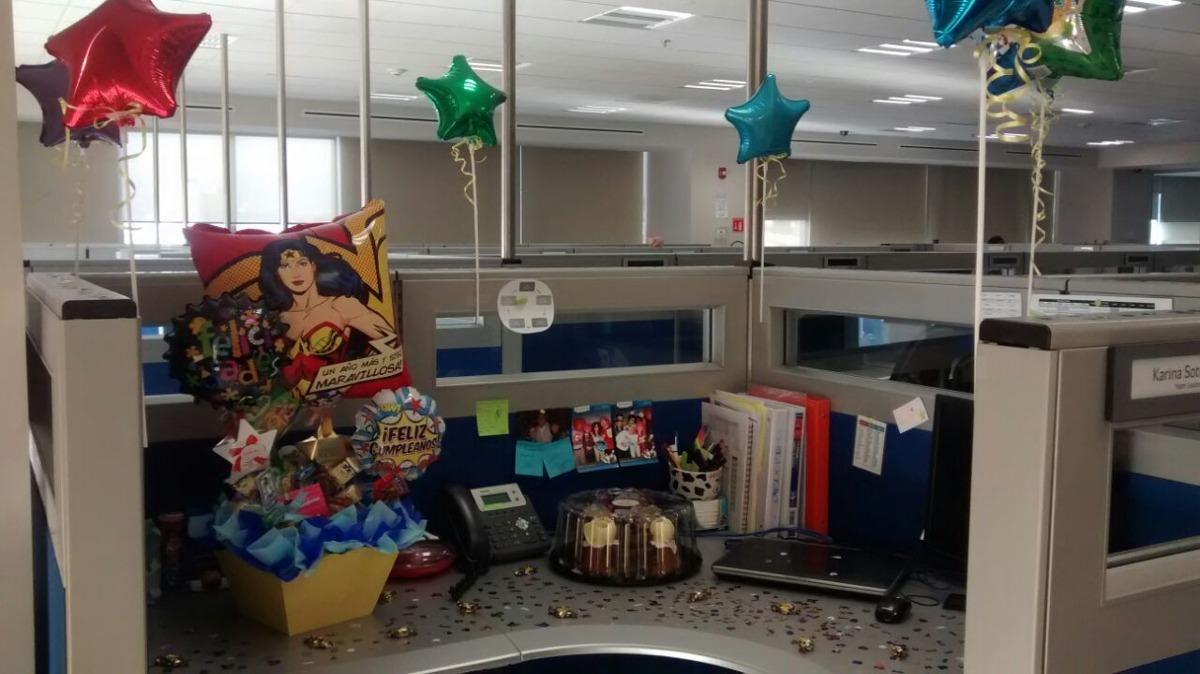 Arreglo de globos amor amistad mujer maravilla for Decoracion amor y amistad oficina
