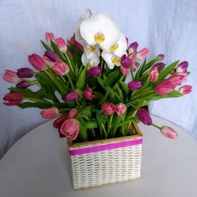 Arreglo Floral 60 Tulipanes Con Orquideas