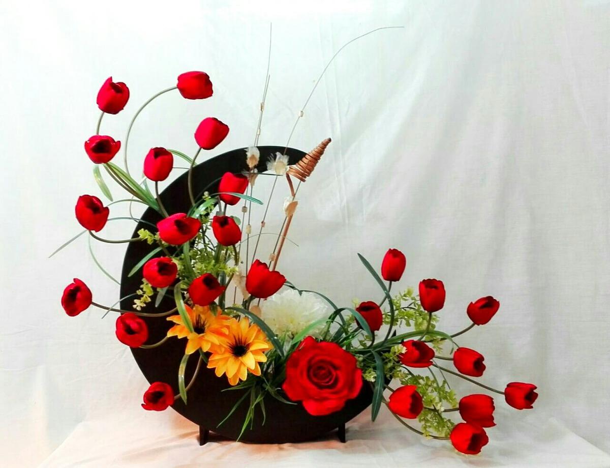 Arreglo Floral Artificial Con Tulipanes Y Rosas