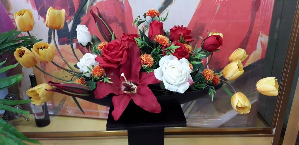 Arreglo Floral Artificial De Rosas Y Tulipanesenvío Gratis