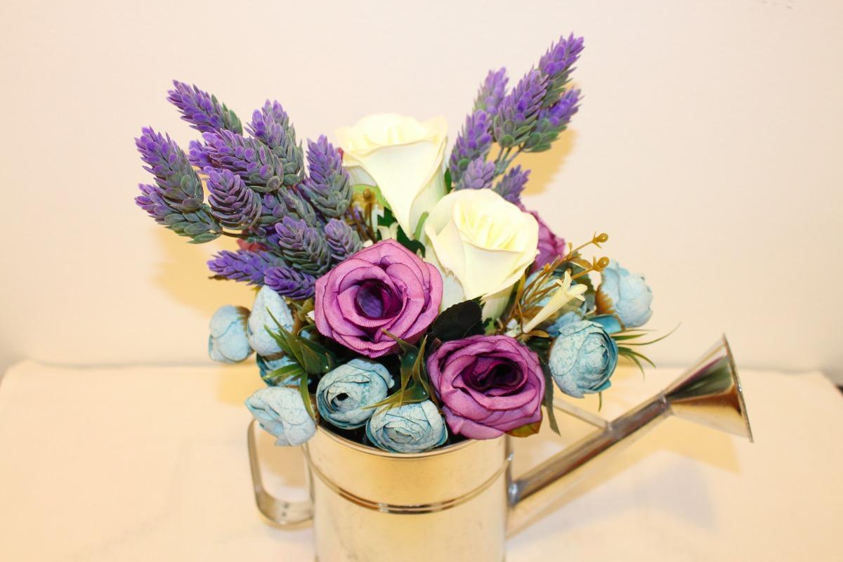 ac2ebdd1889a1 arreglo floral centro de mesa regadera flores artificiales. Cargando zoom.