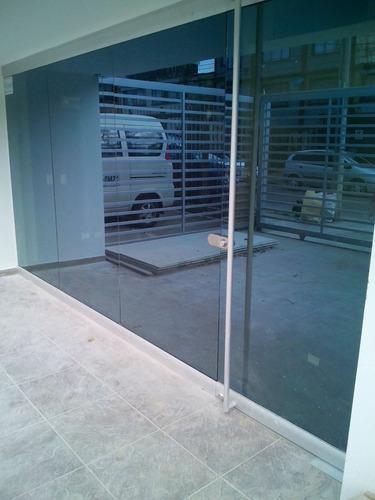 arreglo mantenimiento divisiones baño ventaneria aluminio,