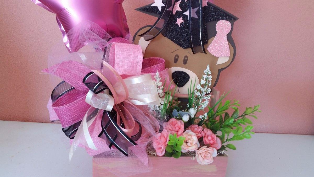 Arreglo Para Graduación Niña Con Flores
