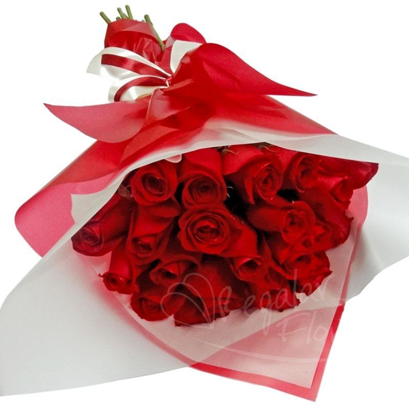 Arreglo Ramo 24 Rosas Rojas Blancas Rosadas Azul Arcoiris S 130