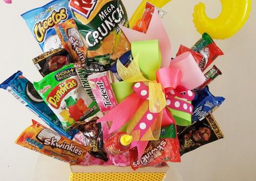 arreglos con globos y dulces cajitas sorpresa!