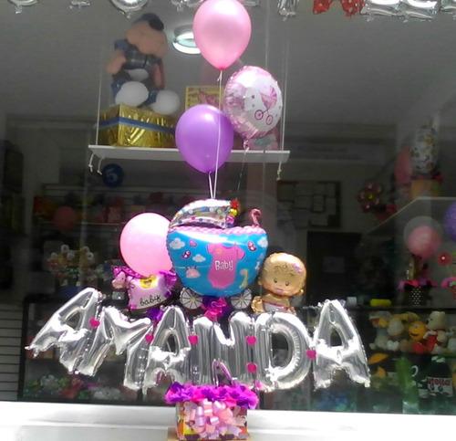 arreglos con globos y flores