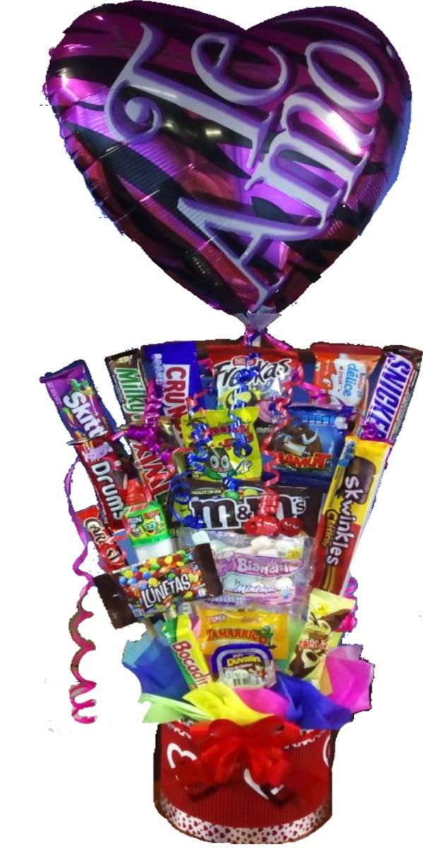 Arreglos de dulces con globo para dia del amor y la for Arreglos de mesa con dulces