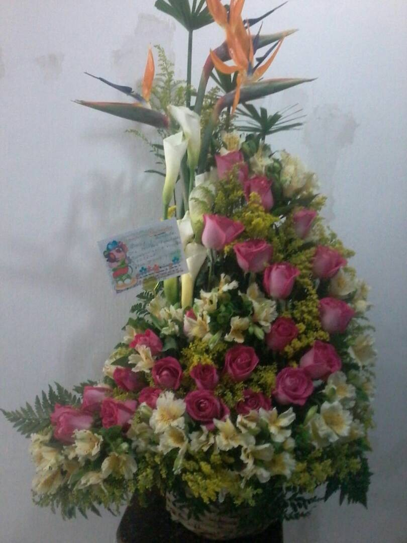 Arreglos Florales 24 Rosas Grandes Super Oferta Bethelmadrid