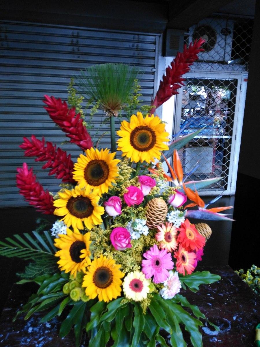 Arreglos Florales Caja De Rosas Globos Helio En Mercado Libre