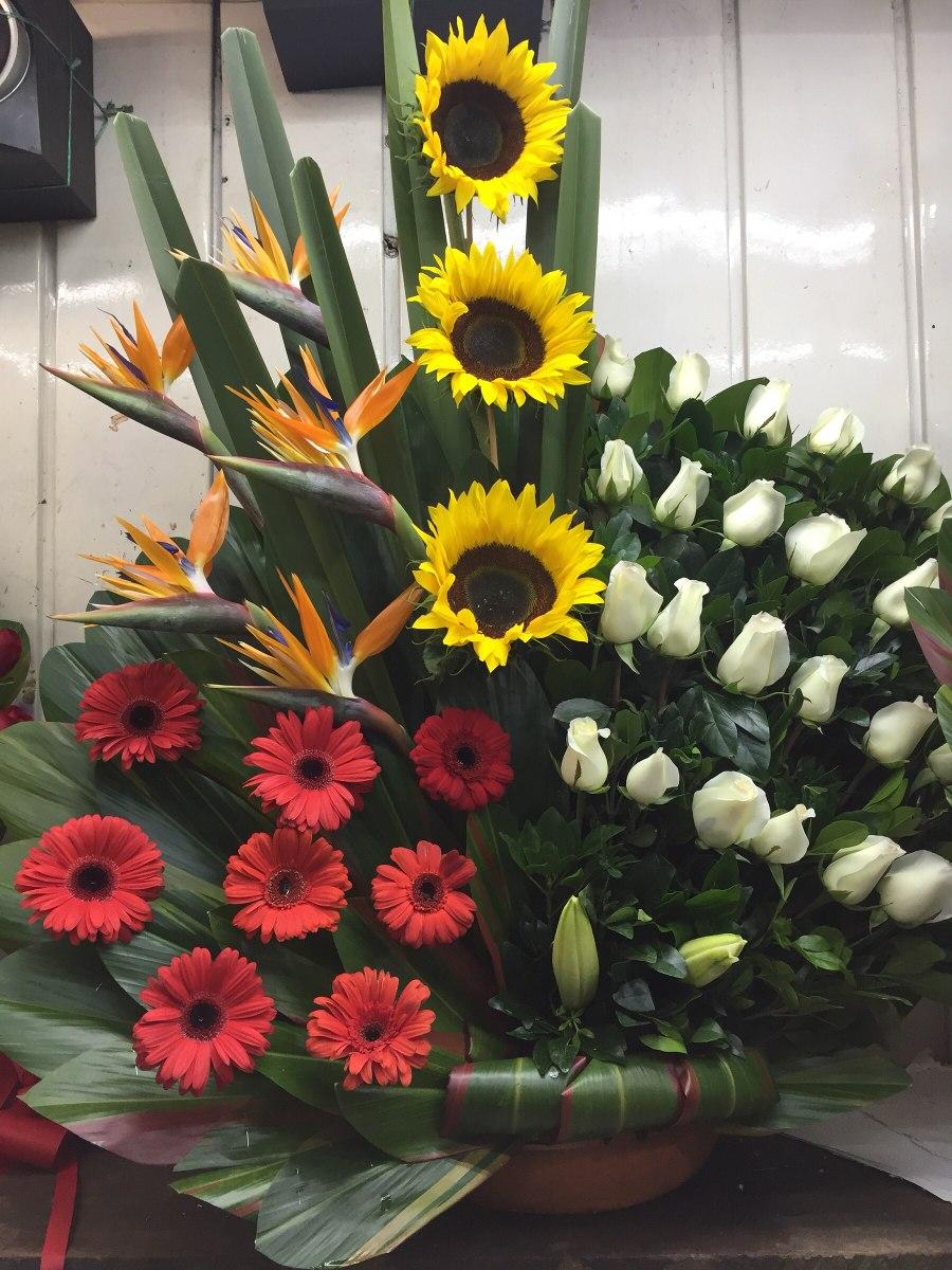 Arreglos Florales Con Rosas Gerbera Entrega En Cdmx Df 129900 - Imagenes-de-arreglos-florales