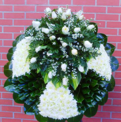 arreglos florales fúnebre -corona y acompañamiento funebre