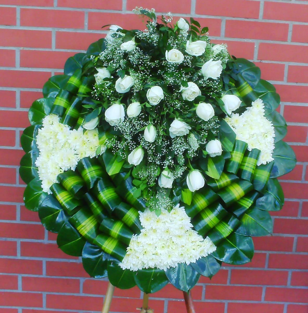 Arreglos Florales Fúnebre Corona Y Acompañamiento Funebre