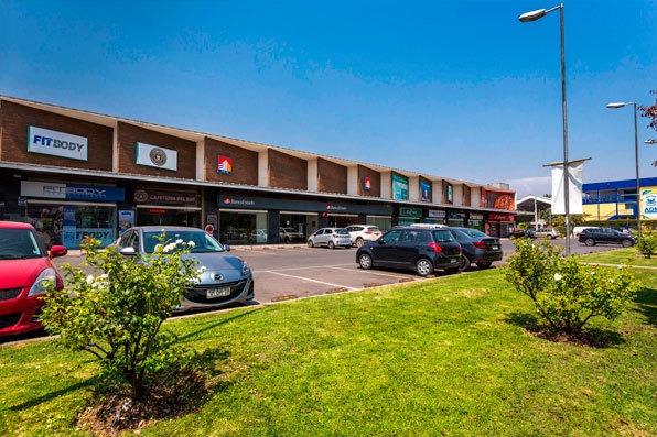 arrendamos locales comerciales piso 1 strip center la florida.